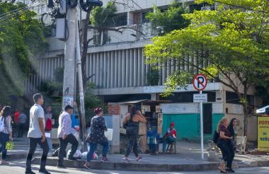 Vista de la sede de la antigua Registraduría de Barranquilla en el centro, donde Aura cita a los interesados para el trámite.