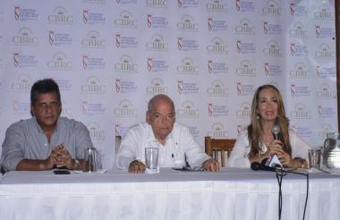 Luis Puello, Raimundo Angulo y Diana Caballero.