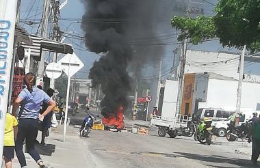 La protesta se cumplió en la calle 106 con carrera 27 del barrio Los Olivos I.