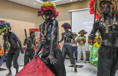 El Festival Nacional Son de Negro presentó una muestra folclórica en la Gobernación del Atlántico.