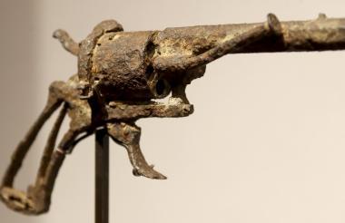 """El arma Lefaucheux, conocida como la """"más famosa de la historia del arte""""."""