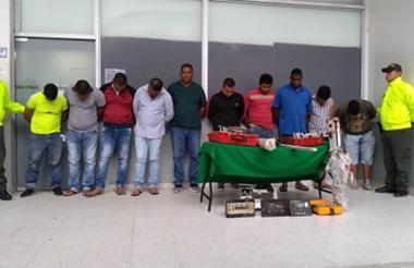 Los presuntos delincuentes capturados.