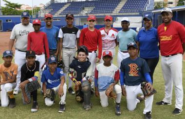 Estos son los niños de la novena Willard de Barranquilla, que representará a Colombia en la Serie Latinoamericana de Béisbol.