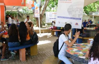 Estudiantes de la Uniatlántico en uno de los comedores de la alma mater.