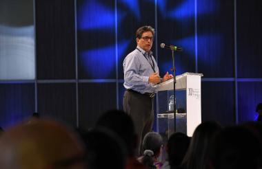 Alberto Carrasquilla, ministro de Hacienda, anunció la hoja de ruta para la economía para el mediano plazo.