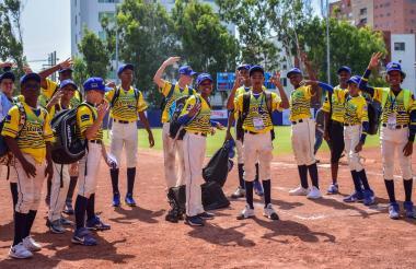 Los pequeños de Curazao celebrando el triunfo.