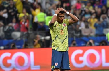 William Tesillo se lamenta tras errar el penal ante Chile que significó la eliminación de Colombia de la Copa América Brasil 2019.