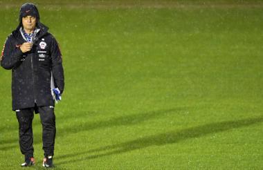 El técnico Reinaldo Rueda durante un entrenamiento de la selección chilena.