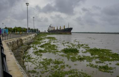 Canal de acceso al Puerto de Barranquilla, a la altura del Gran Malecón del Río.