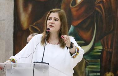 La Gobernadora de Córdoba fue la encargada de emitir el decreto para el nombramiento del alcalde encargado.