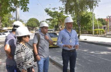 El gerente del SEPT, Luis Guillermo Rubio, en la inspección de obras.