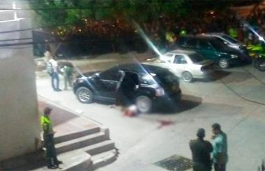 Así quedó el cuerpo de una de las víctimas del ataque sicarial de Santa Marta.