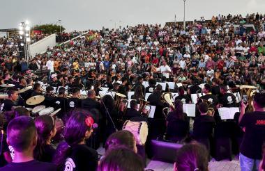 Más de 160 músicos de las Casas Distritales se unieron a la Orquesta del Colegio Alemán para el evento.
