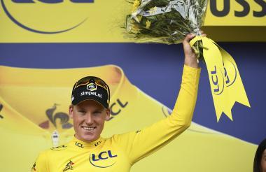 El holandés Mike Teunissen, primer líder del Tour.