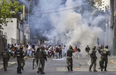 Enfrentamientos de la fuerza armada con civiles.