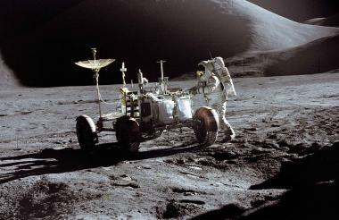Rovers, banderas de EEUU, sondas, herramientas, cámaras. En la Luna la basura se ha acumulado por décadas.