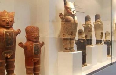 Las figuras de los cuchimilcos están hechos de arcilla.