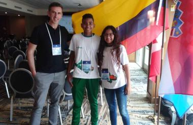 Los estudiantes Daniela Corpas y Luis Felipe Martínez.