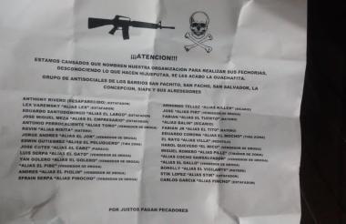 El panfleto fue arrojado en el barrio San Pachito.