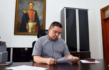 El alcalde Rafael Martínez regresó a su despacho y trabaja en los proyectos de ciudad.