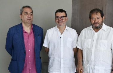 De izquierda a derecha, Juan José Quintana, Humberto Sierra Porto y Angelino Garzón.
