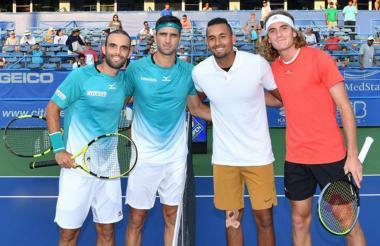 Juan Sebastián Farah y Robert Farah posaron para la foto con sus rivales.