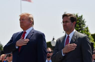 El presidente DonaldTrump y Mark Esper, jefe del Pentágono, en un acto el 25 de julio pasado.