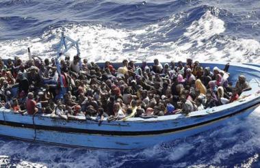 Migrantes rescatados por el 'Open Arms' en el mediterráneo.