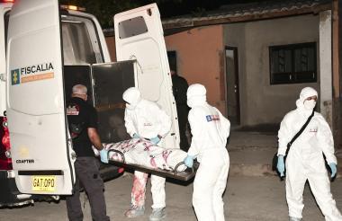 El cadáver de César Manuel Ochoa Cantillo fue llevado hasta las instalaciones de Medicina Legal.