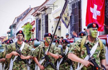 Con un desfile militar,  los momposinos conmemoraron el Bicentenario de la Batalla de Boyacá.