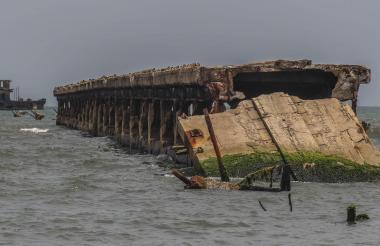 Vista actual de una parte del muelle de Puerto Colombia, tras la demolición de uno de sus tramos.