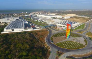 Vista superior de la planta de Tecnoglass y Energía Solar en Barranquilla.