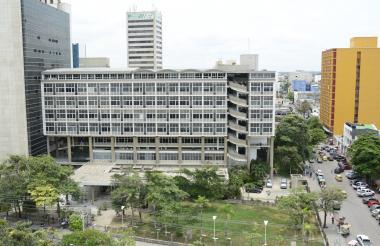 Edificio Rodrigo Lara Bonilla, que compone el complejo judicial de Barranquilla y en donde funciona actualmente el juzgado investigado.