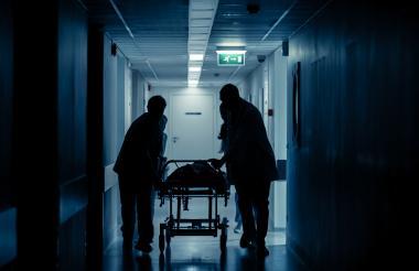 De acuerdo con el fallo, los médicos registraron  que los pacientes falsos habían sido hospitalizados.