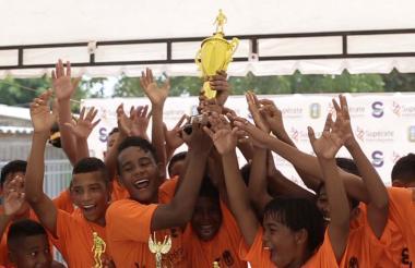 Colegio El Milagroso ganó el título en prejuvenil.