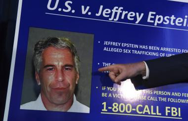 Retrato de Jeffrey Epstein.