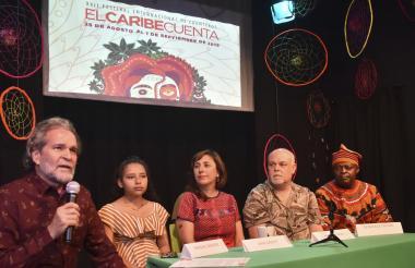 Manuel Sánchez, director de la Fundación Luneta 50, junto a Liney Ortega, Ana Griott, Aldo Méndez y Boniface Ofogo, durante la rueda de prensa ofrecida este martes.