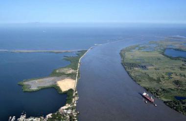 Panorámica aérea del canal de acceso al Puerto de Barranquilla