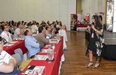 Nicole Dupit habló en el WebCongress sobre publicidad en Youtube.
