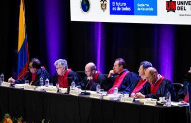 Los jueces Patricio Pamiño, Elizabeth Odio Benito, Eduardo Vio Grossi, Eduardo Ferrer Mac-Gregor Poisot, Humberto Antonio Sierra, Eugenio Zaffaroni y Ricardo Pérez durante la audiencia.