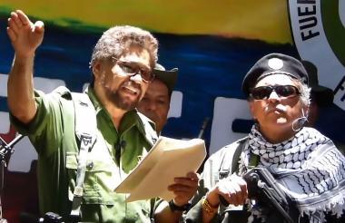 Iván Márquez y Jesús Santrich cuando anunciaron ayer que volverán a las armas.