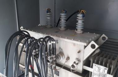 El transformador del establecimiento carcelario que se vio afectado por la descarga eléctrica.