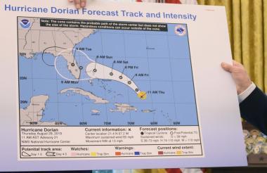 El mapa que presentó Trump sobre la ruta de Dorian.