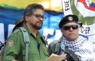 Iván Márquez junto a Jesús Santrich.