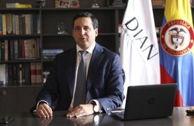 El director de la Dian, José Andrés Romero.