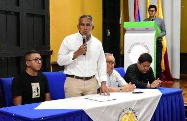 El presidente de Camcomercio de Santa Marta, Alfonso Lastra Fuscaldo, presidíó el evento. Lo acompañan Lucas Gutiérrez, Alfredo Méndez y Ever Cantillo.