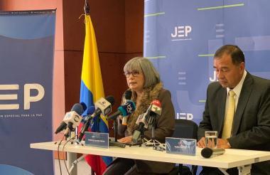 Patricia Linares y Mario Espitia presentan balance.