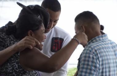 Jair Hernández Flores y Raiza Moreno Herrera, padres de la bebé fallecida.