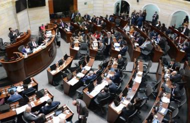 Durante el debate en las Comisiones Primeras Conjuntas del Senado y Cámara.