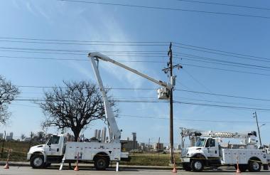 Operarios de Electricaribe.
